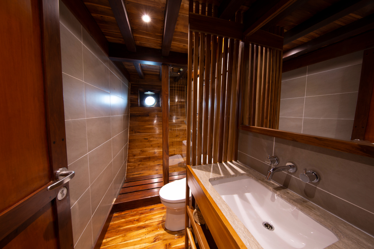 Bathroom of the Lower Deck cabin on our Coralia Liveaboard in Indonesia