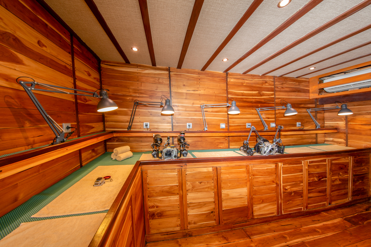 dedicated camera room on the main deck of Coralia Liveaboard